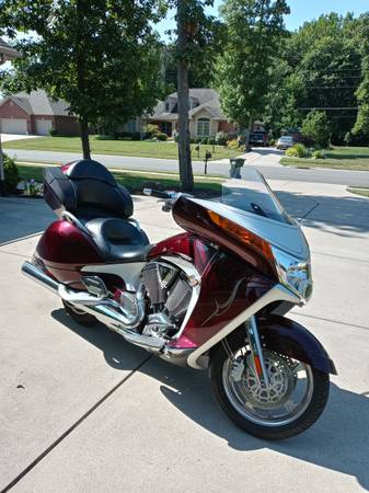 Photo 2009 Victory Vision - $8200 (Germantown)