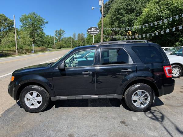 Photo 2010 Ford Escape XLT Sport Utility 4-Door - $4,495 (Dayton, OH)