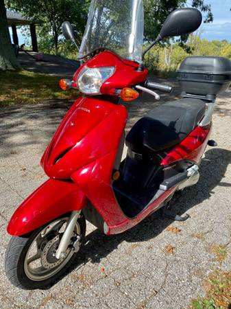 Photo 2010 Honda Elite 110 Motor Scooter runs like new low miles with clean title and - $1,400 (Taylor Mill)
