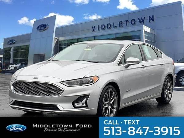 Photo 2019 Ford Fusion Hybrid Titanium - $19588 (_Ford_ _Fusion Hybrid_ _Sedan_)