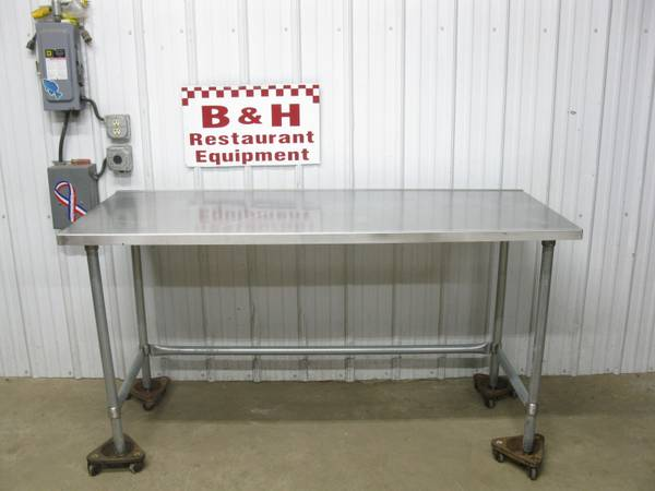Photo 72quot x 30quot Stainless Steel Heavy Duty Roll Under Work Table - $150 (Clayton, OH)