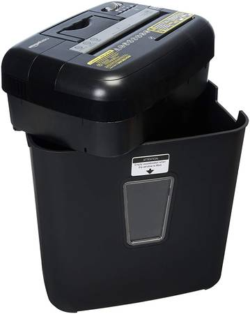 Photo AmazonBasics 12-Sheet High Security Cross-Cut Paper, Shredder - $19 (CLAYTON-ENGLEWOOOD)
