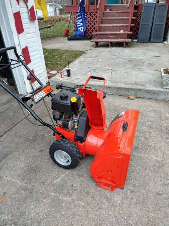 Photo Arines two stage snow blower READY FOR SNOW - $650 (Dayton area)