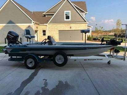 Photo Bass boat for sale - $1,500 (Waverly)