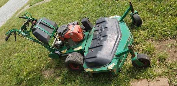 Photo Bobcat ransomes commercial walk behind mower been sitting PARTS - $275 (Huber Heights OH)