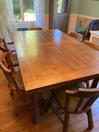 Photo Brandt Ranch Oak Dining Table  Chairs - $750 (Dayton)