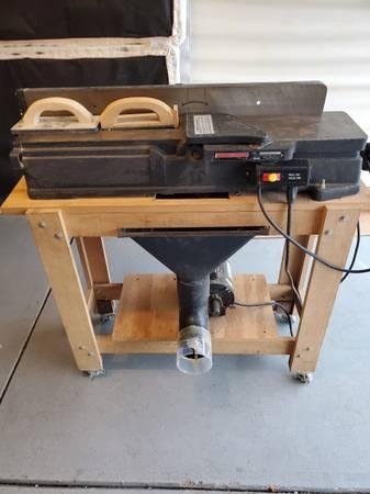 Photo CRAFTSMAN 6quot JOINTER CAST IRON BASE ON SHOP STAND - $300 (Beavercreek)