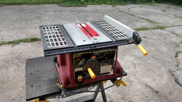 Photo Chicago Electric 10quot Table Saw - $100 (Beavercreek)