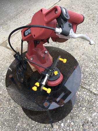Photo Chicago Electric Chainsaw Chain Sharpener - $50 (Centerville)
