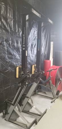 Photo Concept 2 Rowers Hiurdles, Battle Ropes Title Boxing Timer - $123456 (Vandalia)