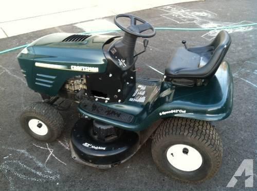 Photo Craftsman Riding Lawn Mower - $600 (Beavercreek)
