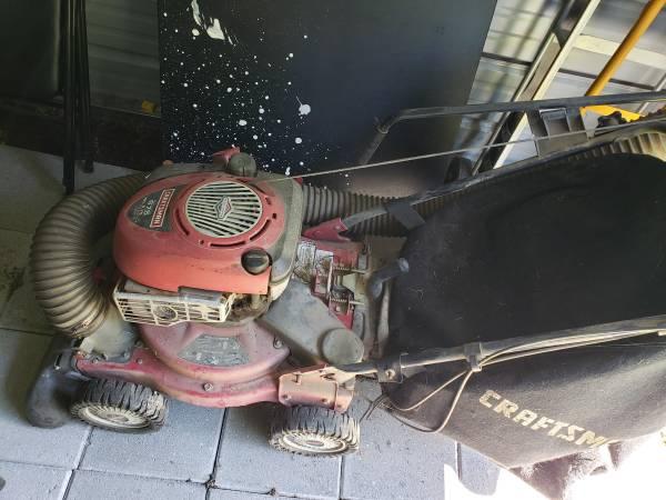 Photo Craftsman Yard Vacuum - $250 (Tipp city)
