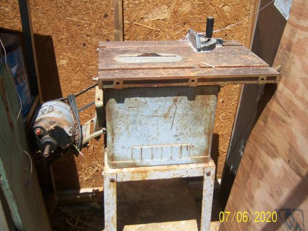 Photo Homecraft Table Saw Made by Delta - $50 (Xenia)