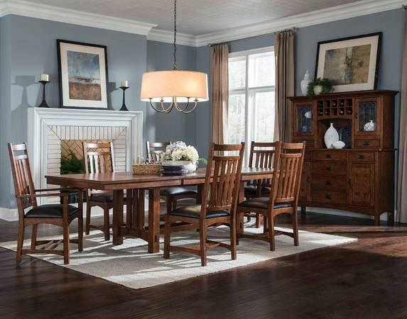 Photo Intercon Oak Park Dining Room Set - $1,500 (Beavercreek)