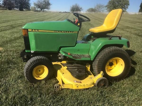 Photo John Deere 455 Garden Tractor (Mower) - $2950