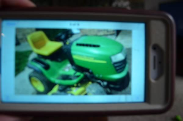 Photo John Deere L120 Lawn Tractor - $850 (CentervilleBellbrook)