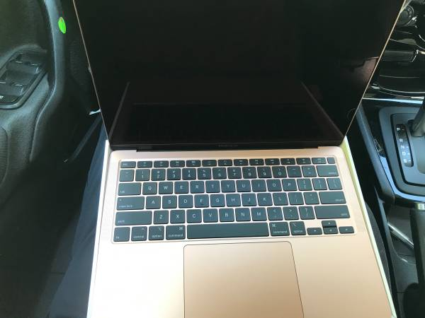 Photo MacBook Air - $700 (Dayton)