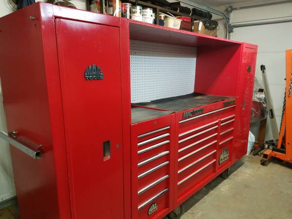 Photo Mac Tools Tech 1000 toolbox with 2 lockers and side box - $4200 (Bellbrook)