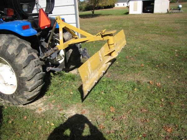 Photo PRICE REDUCED 7 Foot 3 Point Snow  Dirt Blade - $300 (Wilmington OH)