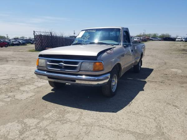 Photo Parting out 1997 Ford RangerCall for parts (New Paris)