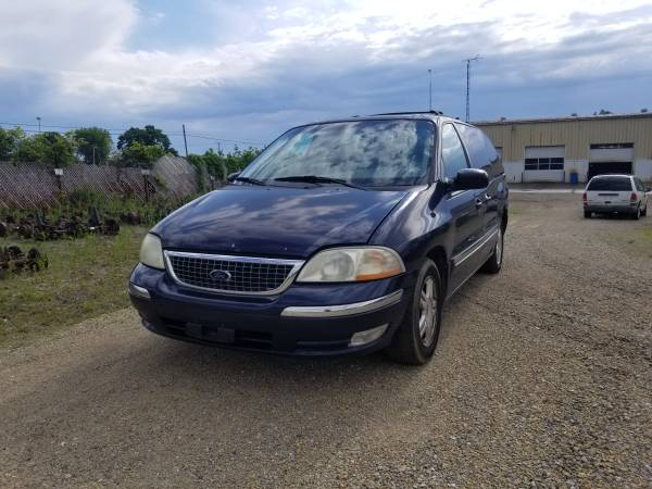 Photo Parting out 2003 Ford WindstarCall for parts (New Paris)
