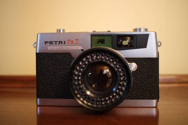 Photo Petri 7S II 35mm rangefinder camera - $40 (Riverside)