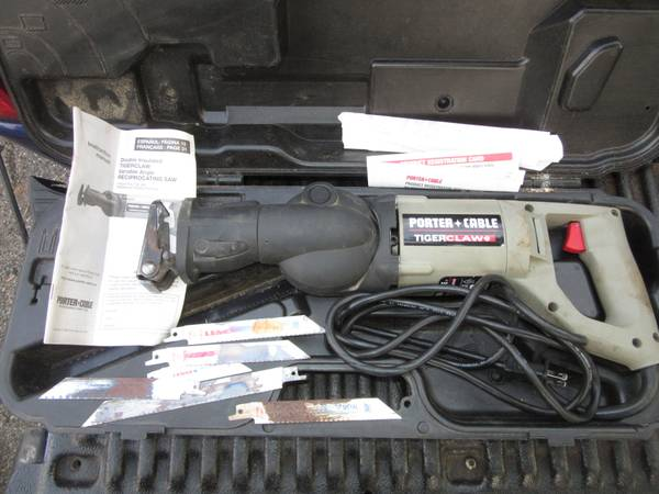Photo RARE Porter Cable Tiger Claw Variable Angle Reciprocating Saw W Case - $80 (dayton)