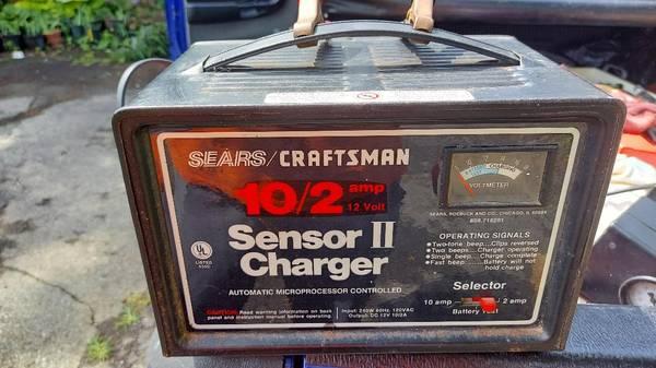 Photo Rare Vintage Sears Craftsman 102 Sensor II Battery Charger  Tester - $30 (dayton)