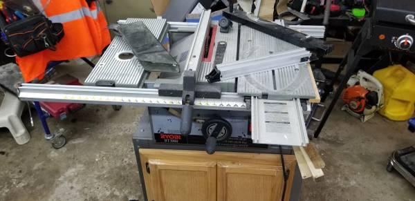 Photo Ryobi BT3000 Table Saw - $250 (Troy)
