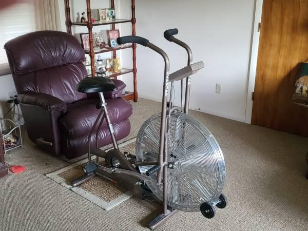 Photo Schwinn Fan stationary bike - $125