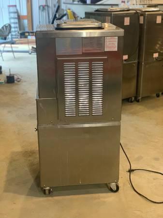 Photo TAYLOR MODEL 161-27 SOFT SERVE ICE CREAM MACHINE - $2500 (Monroe)