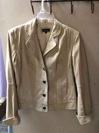 Photo Tan Med. Suede Leather Jacket - $10 (Trotwood Ohio)