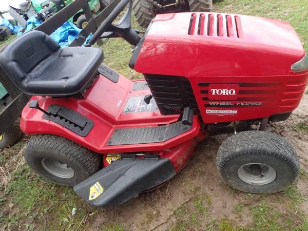 Photo Toro Wheel Horse Lawn Tractor - $450 (MasonLiberty Township)