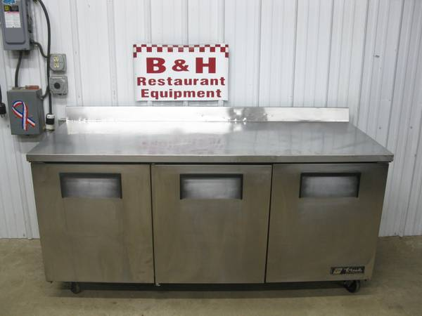 Photo True TWT-72 Three 3 Door 639 Stainless Work Top Refrigerator 72quot - $1,495 (Clayton, OH)
