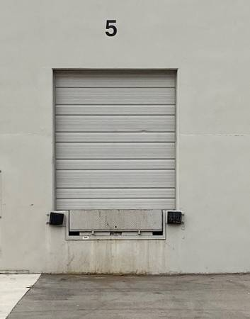 Photo USED 839 wide by 939 tall Garage Doors - $100 (Tipp City)