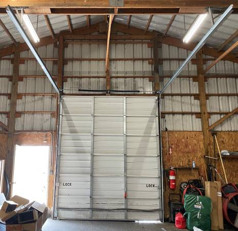 Photo Used 1039 wide by 1239 tall non-insulated garage door - $350 (Tipp City)