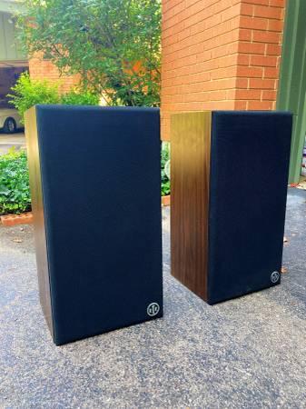 Photo Vintage RTR speakers - $140