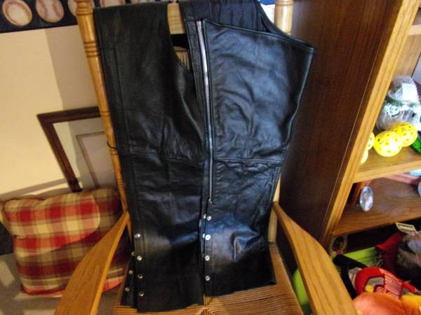 Photo Women39s Black Leather Chaps-M - $50 (Huber heights)