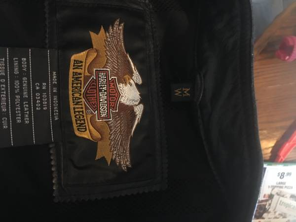 Photo Womens Harley Davidson leather chaps and jacket - $100 (Huber Heights)