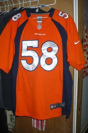 Photo denver broncos jersey - $40 (fairborn)