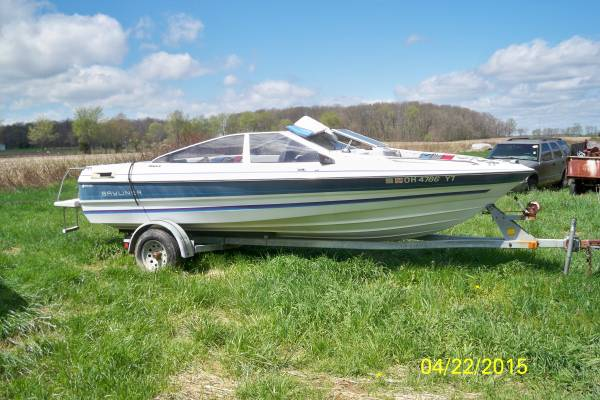 Photo free boat bad motor lots of parts no trailer or outdrive (ALL)