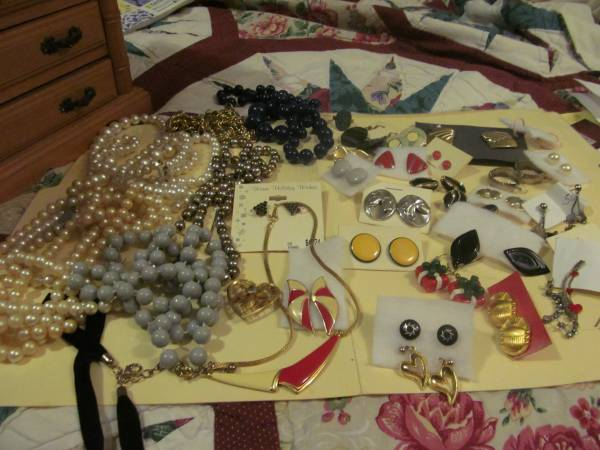 Photo mixed group of costume jewelry - $20 (Fairborn)