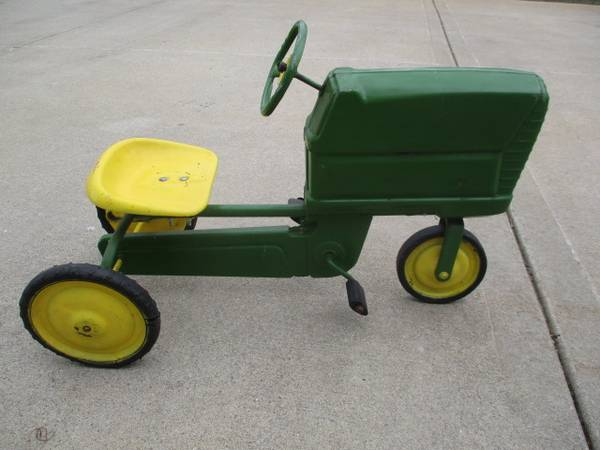 Photo 195039s Murray Pedal Tractor - $200