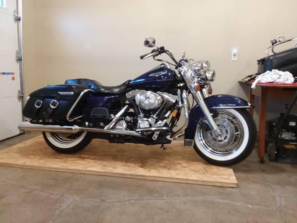 Photo 1999 Harley Davidson Roadking Classic - $7,800 (Bloomington IL)