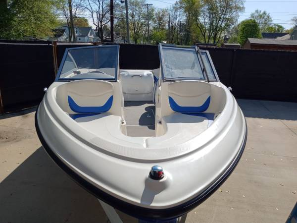 Photo 2007 Bayliner boat for sale in Springfield Illinois - $8,000 (Springfield)