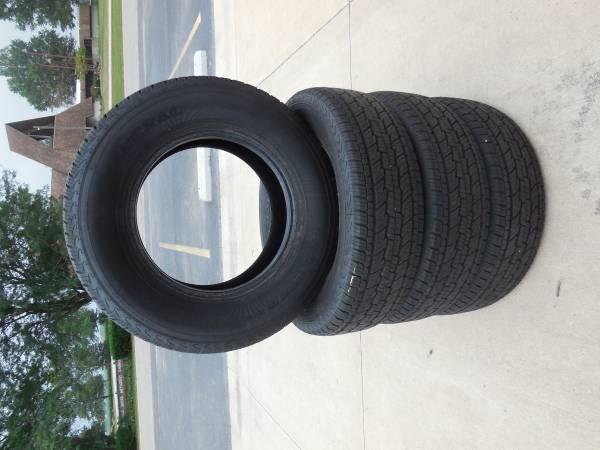 Photo 255-70-17 General Grabber HTS tires new take off 100 tread - $400 (ILLIOPOLIS IL)