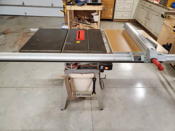 Photo Craftsman 10quot Table Saw Professional Series - $450 (Rural Farmer City)
