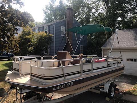 Photo Hurricane deck boat - $1,800 (Annapolis, IL)