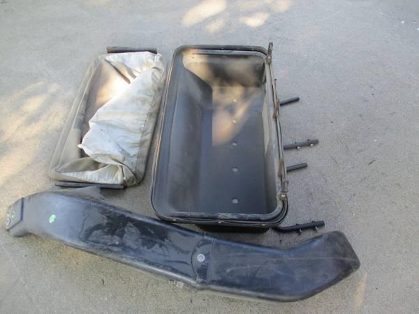 Photo John Deere 111 Rear grass bagger - $100