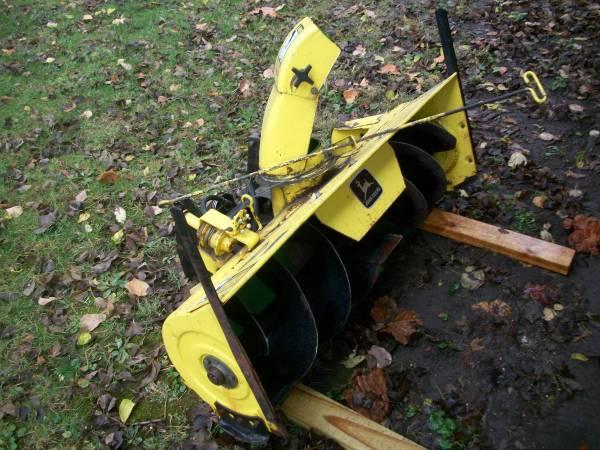 Photo John Deere model 49 snowblower - $250 (Bement, Il.)